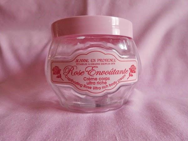 Crema Corporal Ultra-Hidratante de Rosas - Rose Envoûtante   Jeanne En Provence