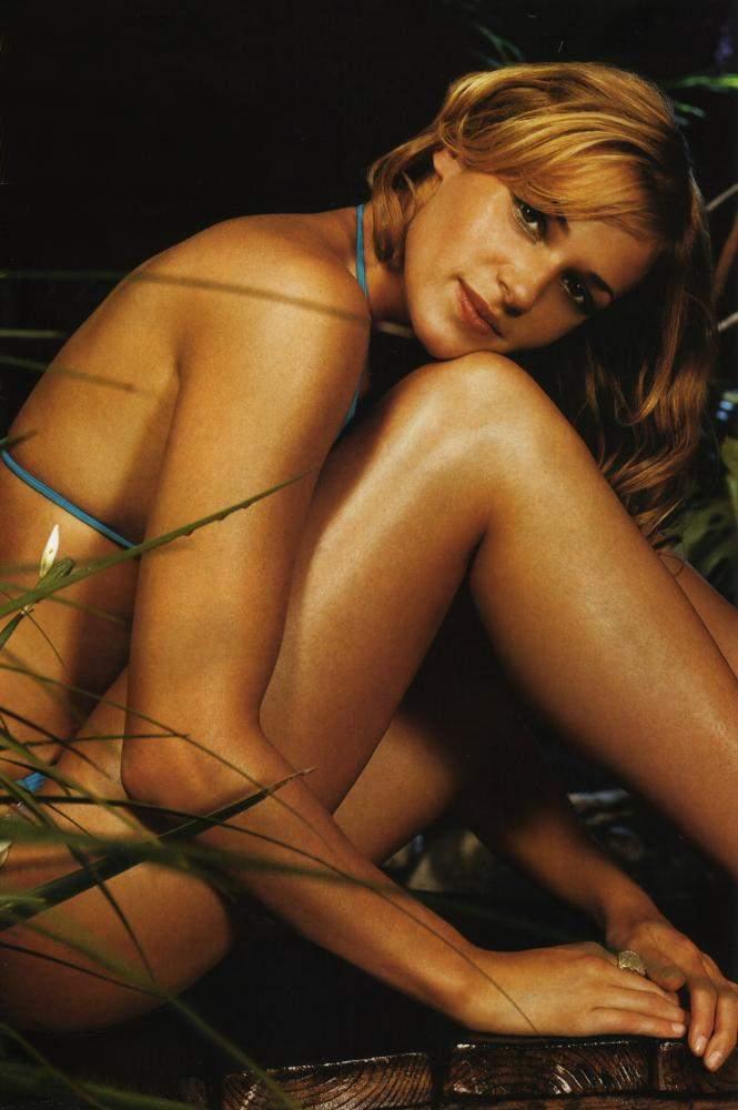 Gigi, amber chia fhm pictures nude