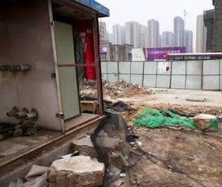 Hati-hati!  Bocah di Tiongkok Kesetrum akibat Kencing Dekat Gardu Listrik