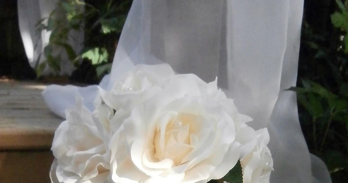 Elope To Niagara Falls Bridal Silk Bouquets Design By A Niagara Falls Artist