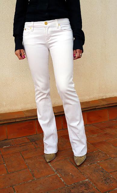 parte delantera tejanos blancos Victoria Beckham