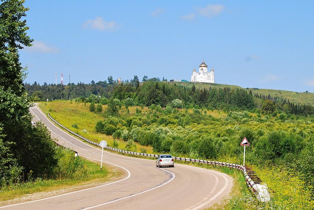 вид на Белогорский монастырь