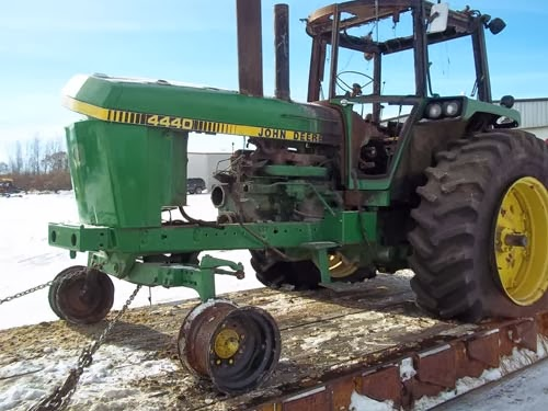 John Deere Tractor Salvage Yards : All states ag parts news tractor and combine salvage