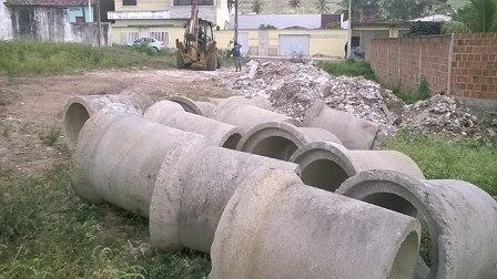 Prefeitura de Limoeiro realiza obra de drenagem no Loteamento Sinhazinha