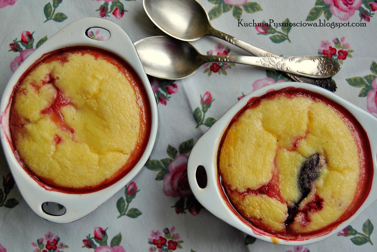 205. Zapiekana cynamonowa kasza manna z truskawkami i śliwkami, jako odchudzona wersja deseru lub śniadania