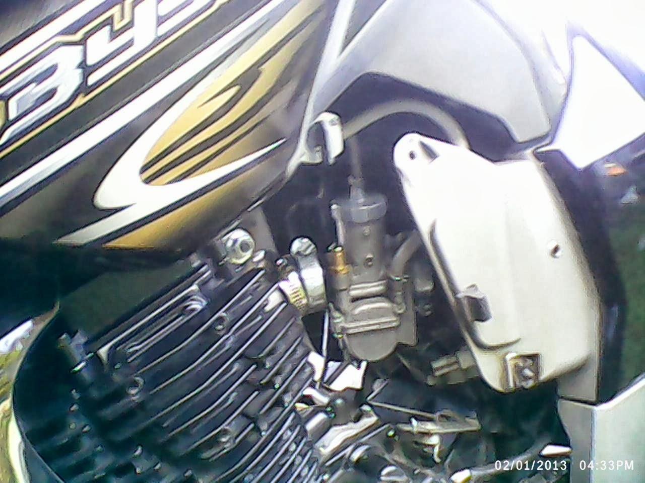 Jongki Byson Mengganti Karburator Yamaha 1 Karbu Pe 24 26 28 Kehin Dari Orinya Ke Kabel Songket Tapi Cuma Gua Cklekk Doank Terus Chuck Gak Pasang Soalnya Malah Susah Hidup Mesinnya Shg Subal Pake