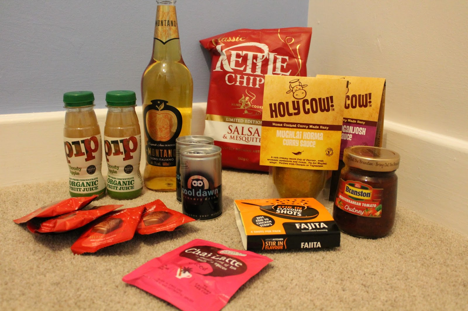 Degustabox UK November 2014 Monthly Subscription Box Contents
