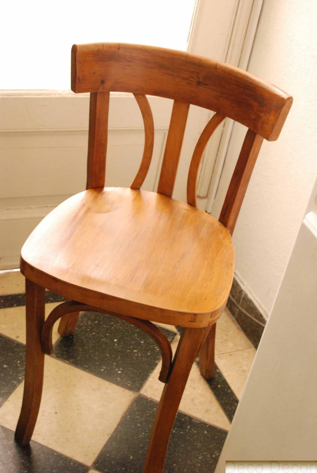 Mesa extensible y sillas de bar for Sillas para bar economicas