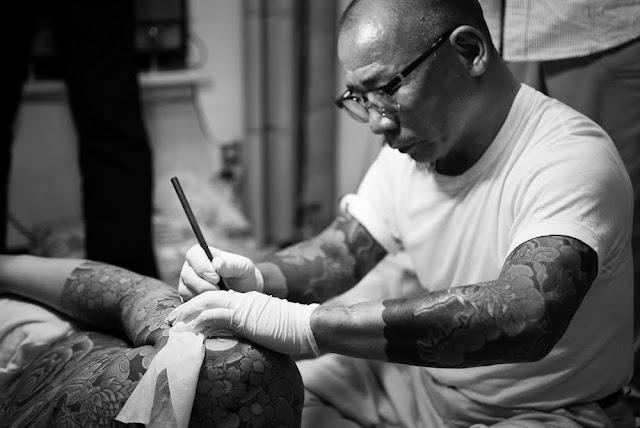 Hiroshi, maestro tatuador