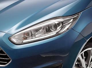 ford-fiesta-sport-car-headlight
