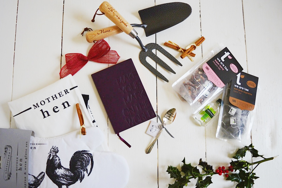 Christmas Gift Guide For Her, FashionFake, lifestyle bloggers