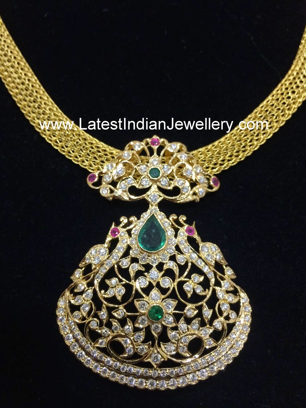 gold mesh chain traditional diamond pendant