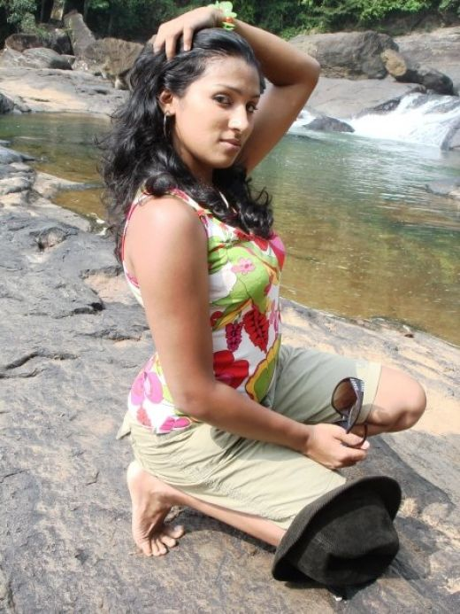 Deena Ediriwickramasooriya pictures
