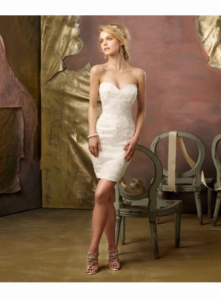 Vestido de Novia Asimetrico, Corto por Delante y con Cola Desmontable