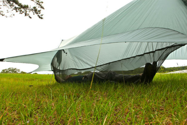 The Nubé is designed to be compatible with any camping hammock, so now we  can all enjoy complete elevated protection! Project was successfully funded  at ... - Nubé - Perfected Hammock Shelter Spicytec