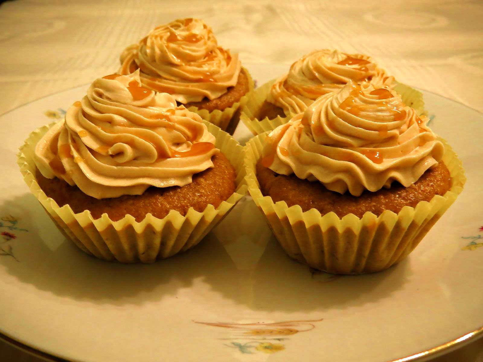 Muffins de calabaza con glaseado de caramelo