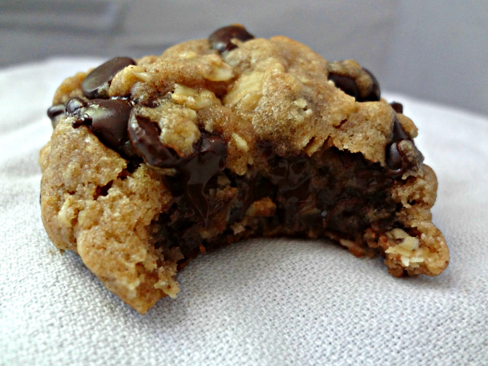 The Cooking Actress: Brown Butter Oatmeal Chocolate Chip Cookies-Guest ...
