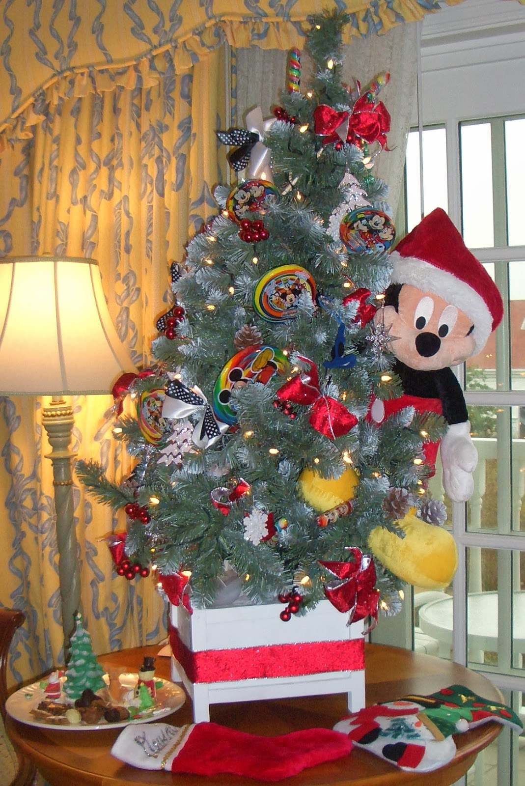 Disney Floral & Gifts Creates Christmas Magic That Lasts a Lifetime ...