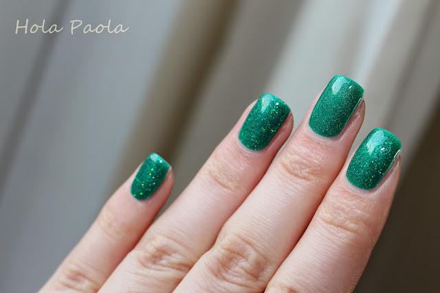 Lakier hybrydowy Semilac 115 Dancer from Rio lakiery hybrydowe w domu gelnails at home how to do gel nails zielony lakier hybryda paznokcie na wakacje naturalne paznokcie przedłużanie hybrydą jak brokatowe