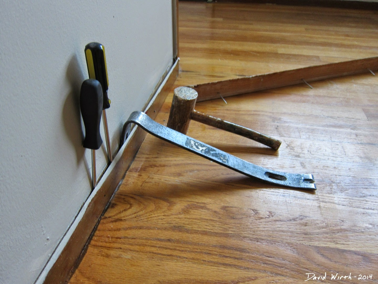 how to remove baseboard, damage, damaging, nail, pry