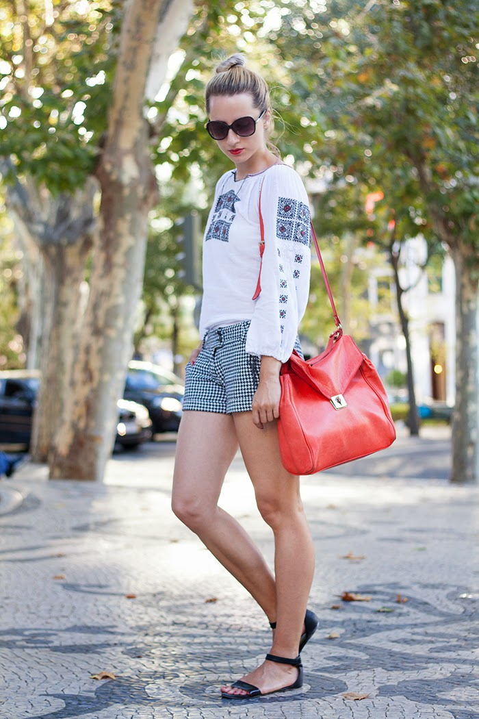 traditional romanian blouse hooundstooth shorts red Zara bag