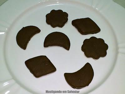 Miss Cookies: Cookies (vários sabores) cobertos de Chocolate