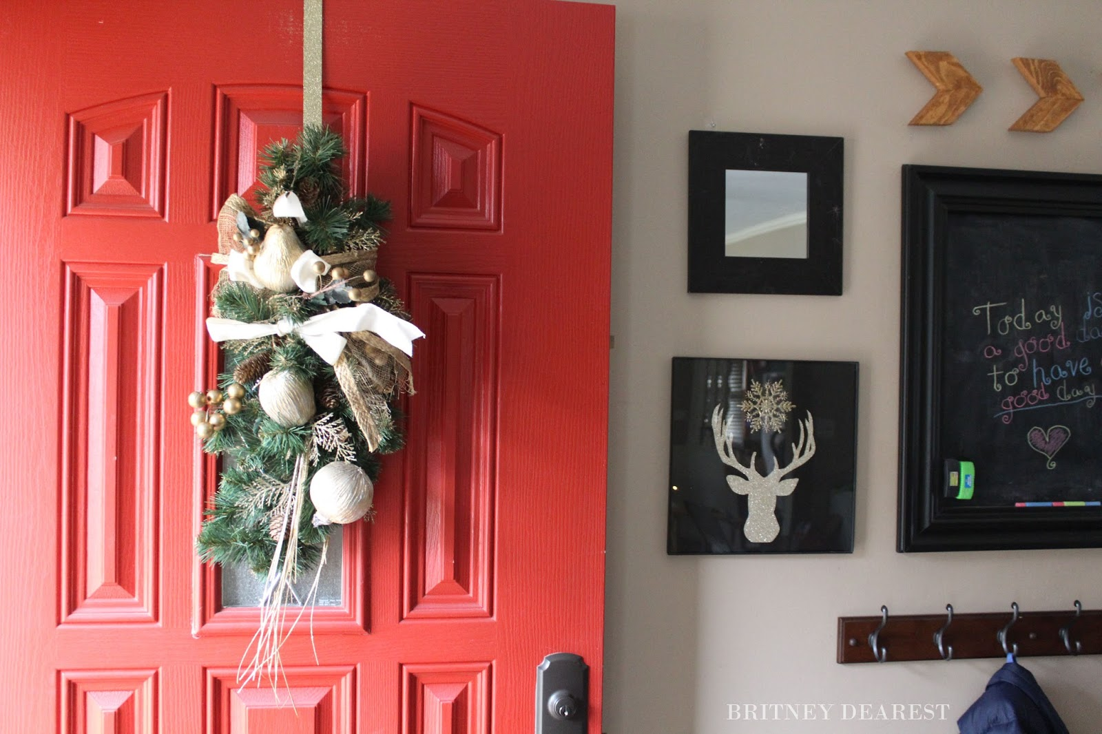 britney dearest 2015 mom s guide to all things holiday diy deer mom s guide to all things holiday diy deer head silhouette wall decor tutorial