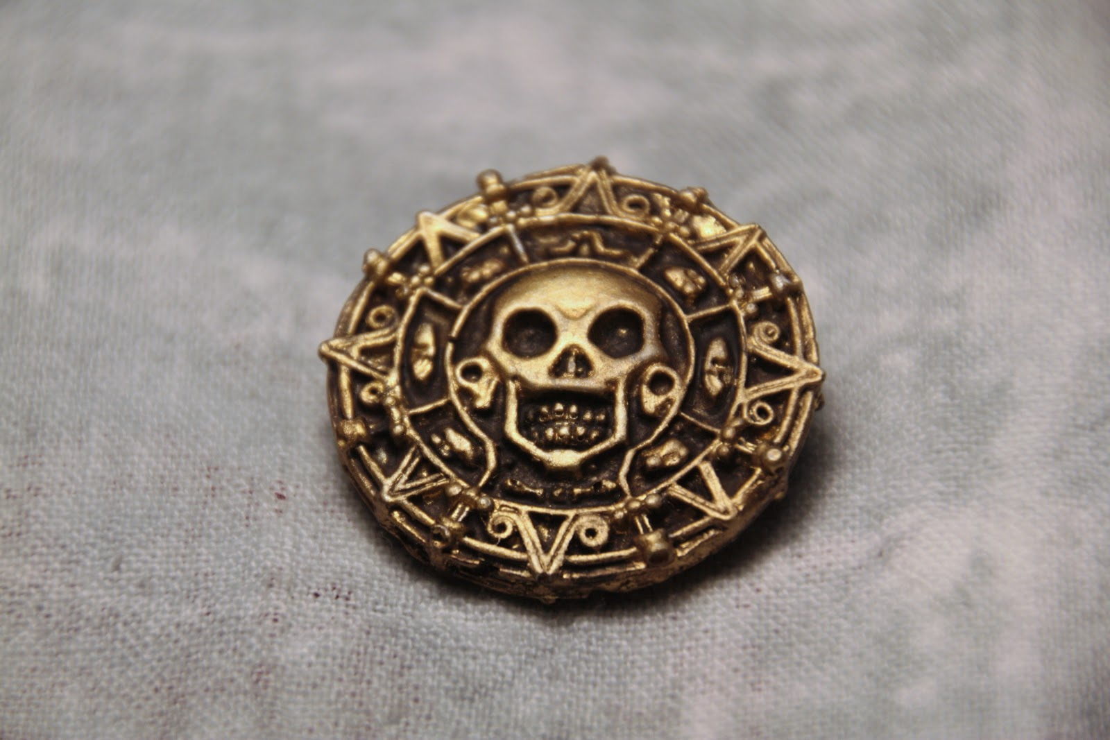 Pirates of the Caribbean: Curse of the Black Pearl prop replica coin