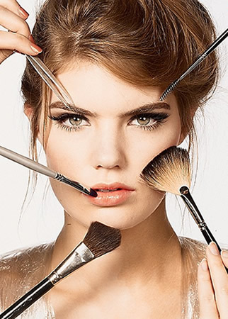Applying  Makeup Tips on Step By Step Guide Line About How To Apply Eye Makeup Specially