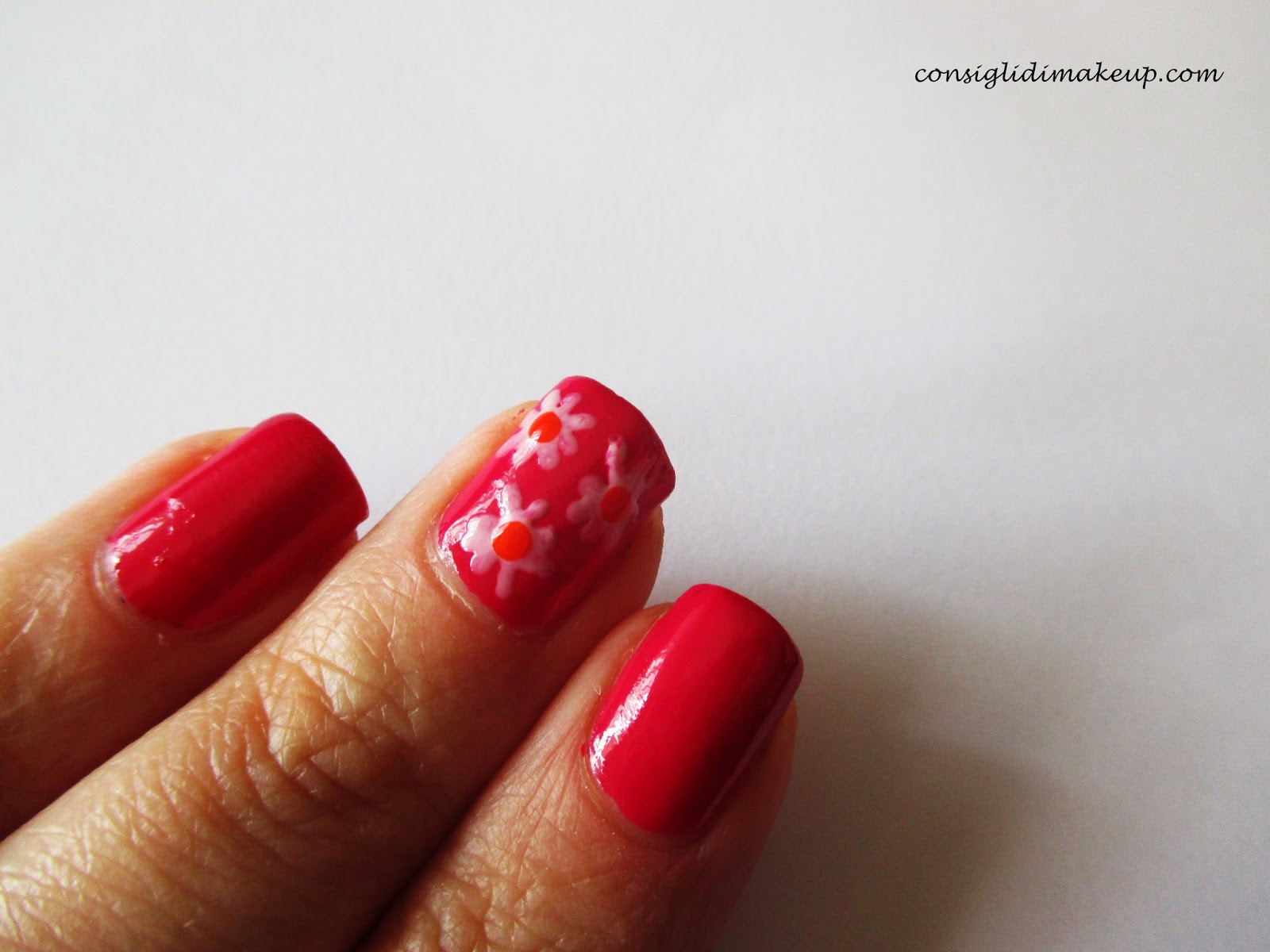 nail art margherite