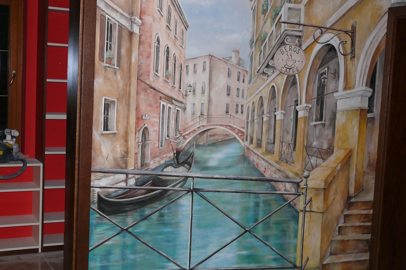 Malowanie obrazu na ścianie w korytaża klatki schodowej, malarstwo ścienne