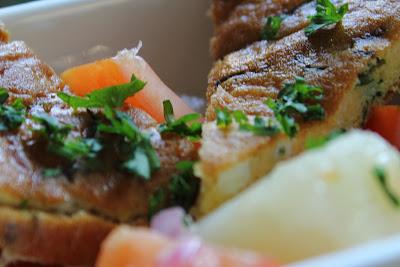 Omelet met asperges in balsamico-vinaigrette