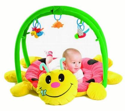 regalos para bebé, juguetes didácticos, juguetes con sonidos musicales, juguetes para bebés, juguetes entretenidos para bebés, un bebé jugando, bebé jugando, bebé con un juguete
