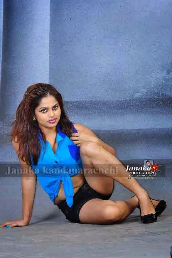 Thanuja Jayasinghe spciy legs