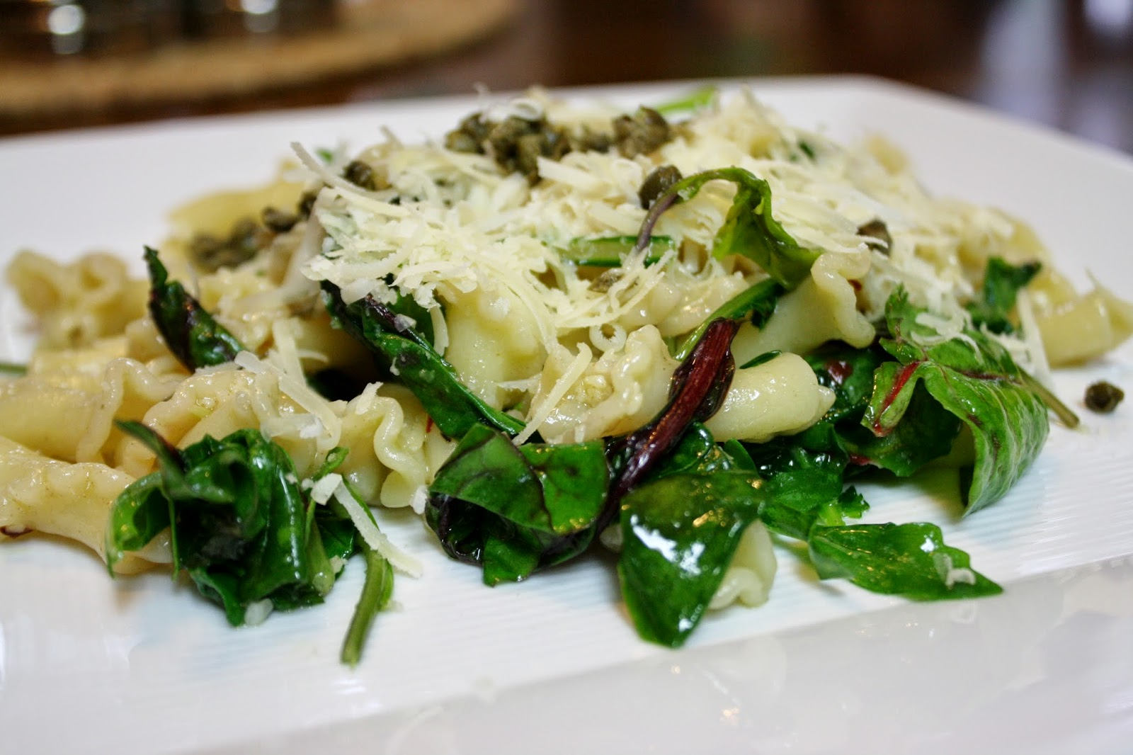 Eat.Pray.Juice.: pasta with garlicky greens and capers