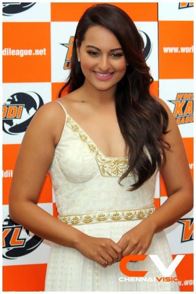 Sonakshi sinha glamour pics