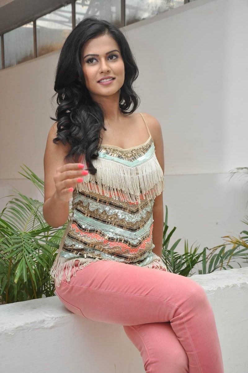 Sharmila mandre hot pics
