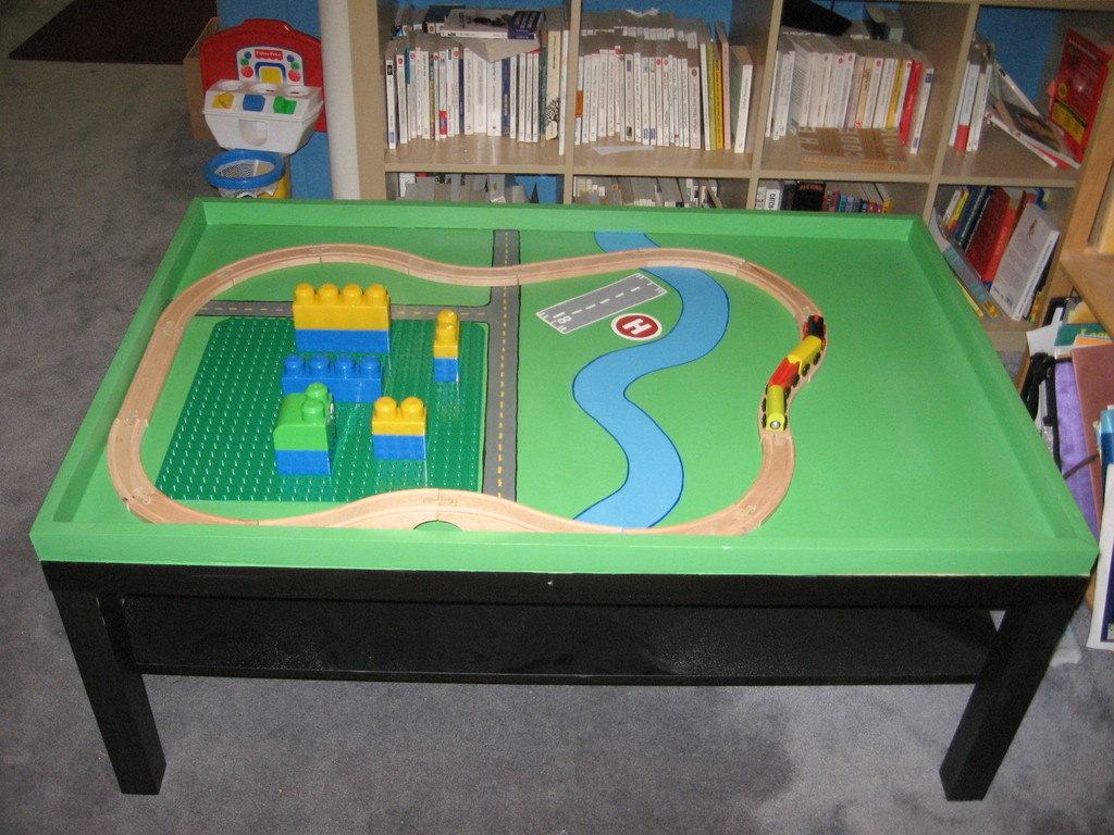 Home super cool lego and train table for Table lego ikea
