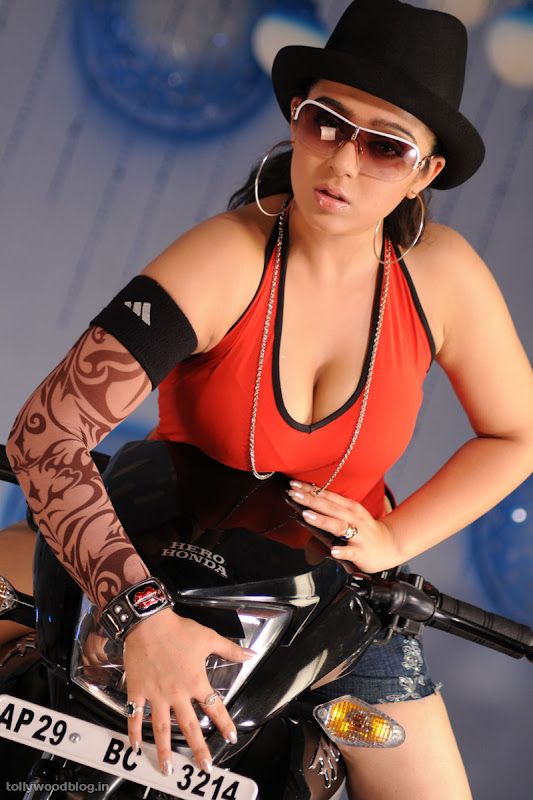 Charmy Kaur latest new spicy Pics glamour images