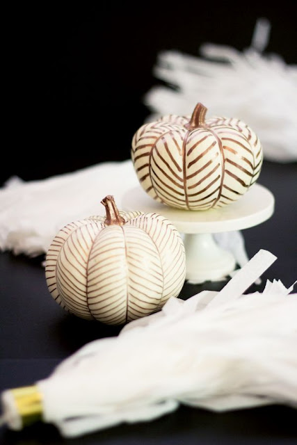 http://www.bloglovin.com/blogs/lovely-indeed-2260654/diy-no-carve-copper-herringbone-pumpkins-3541163407/
