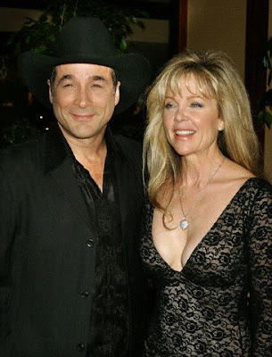 Chinamommy clint black has a crush on me and other for Where is clint black and lisa hartman