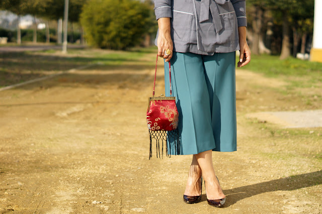 Wide-leg-Cropped-trousers