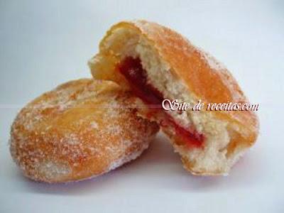 Donuts com recheio de goiabada