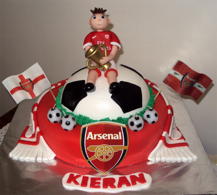 Delanas Cakes Arsenal Soccer Supporters Cake