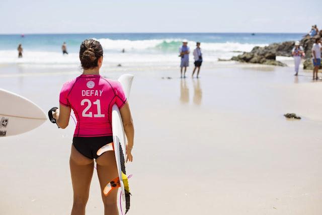26 Roxy Pro Gold Coast 2015 Johanne Defay Foto WSL Kelly Cestari