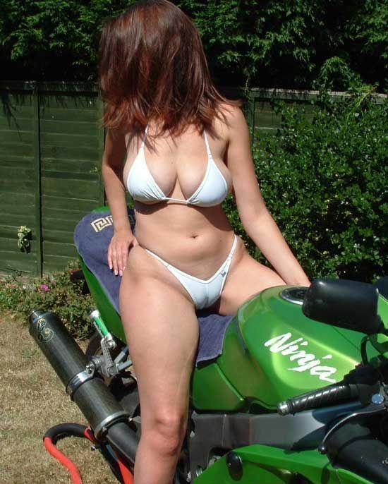 hot biker girls women chicks pics