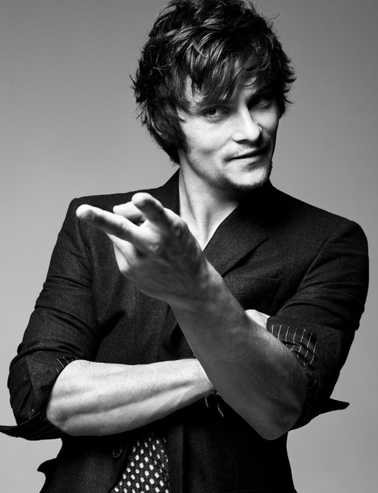 Shiloh Fernandez - Gallery Colection