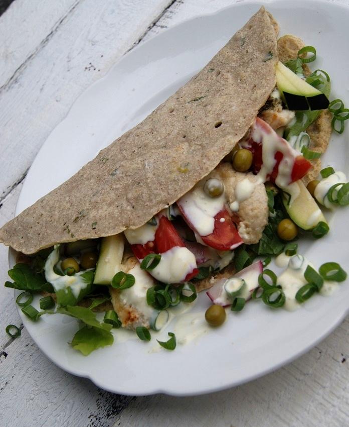 Naleśniki bez glutenu z kurczakiem i warzywami