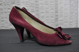 https://www.etsy.com/listing/255715083/70s-vintage-adriano-fosi-claret-suede?ref=listing-shop-header-3