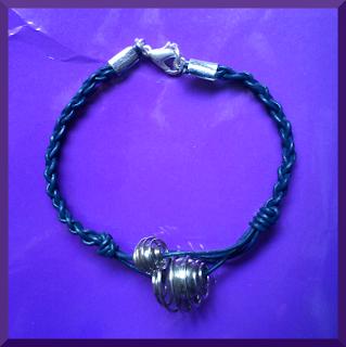 pulsera cuero azul cierre plata